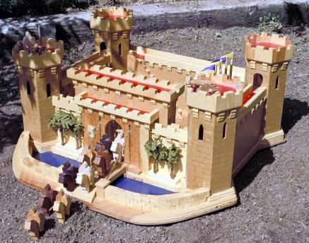 04-FS-109 - Old World Castle Woodworking Plan.
