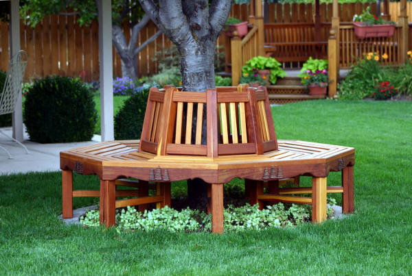 Circular Tree Bench Woodworking Plan.