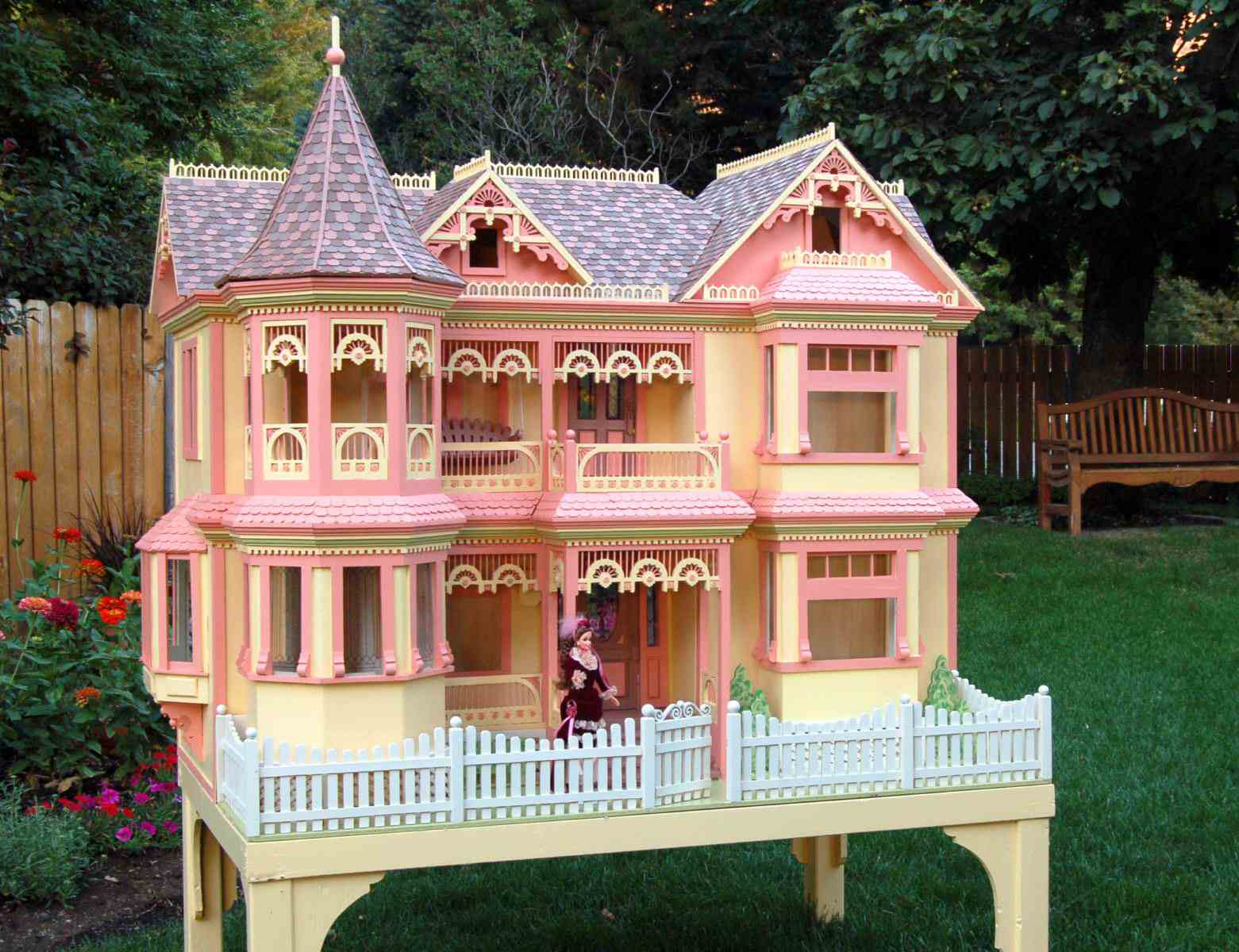 Victorian barbie doll house woodworking plan for Custom built victorian homes