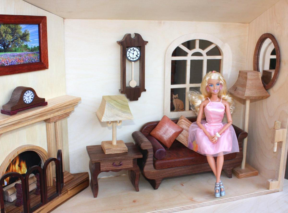 Barbie Doll House Close and Carry.