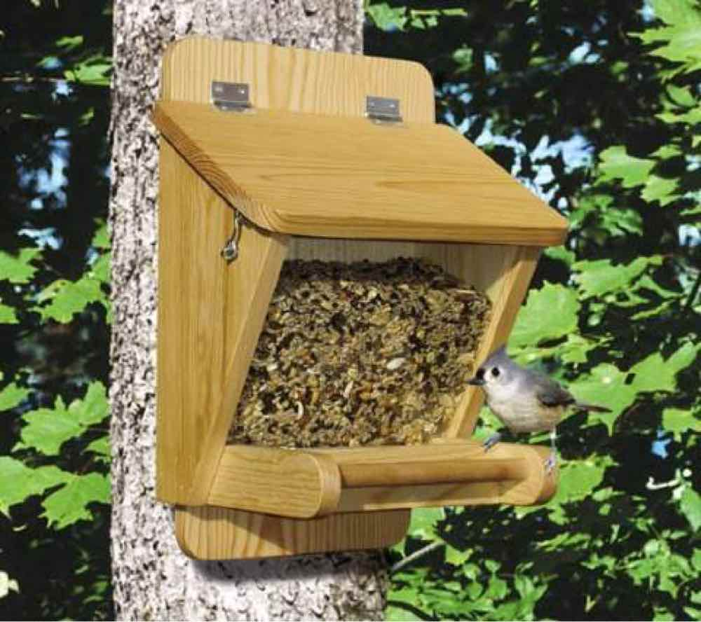 Traditional Bird Feeder Woodworking Plan.