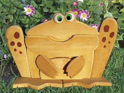 Garden Lookout Toad Woodworking Plan - Paper plan