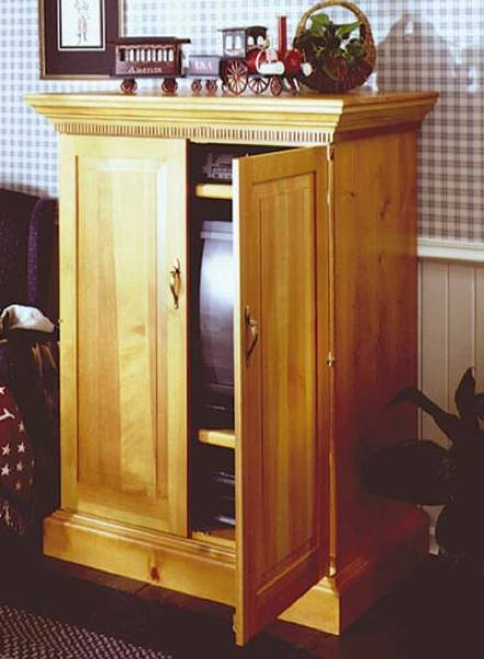 Country Cabinet Woodworking Plan.