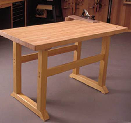 Simple to Build Workbench Woodworking Plan.