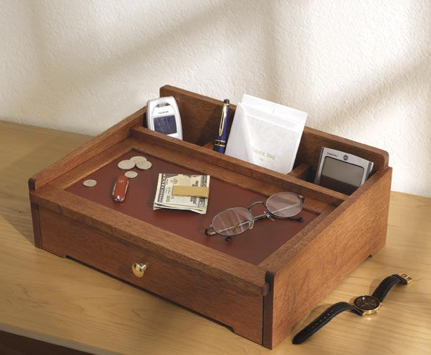 Dresser Top Valet Woodworking Plan.