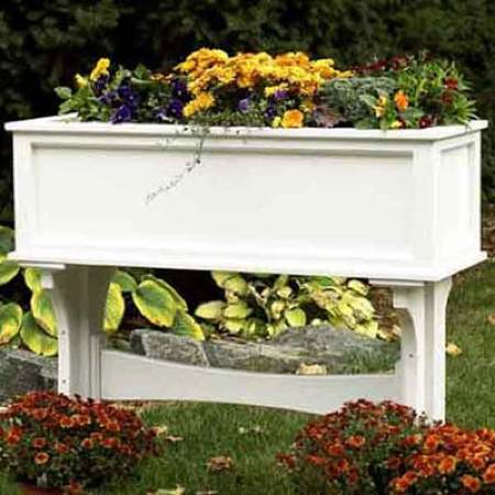 Freestanding Planter Box Woodworking Plan.