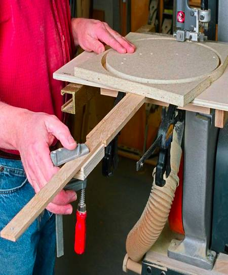 Bandsaw Circle Cutting Jig Woodworking Plan