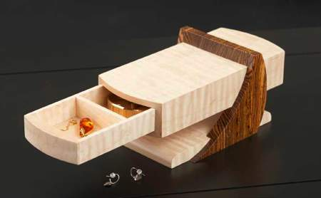 Cantilevered Jewelry Box Woodworking Plan