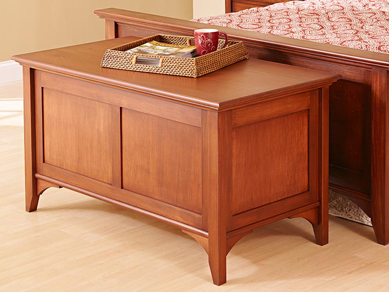 Traditional Blanket Chest Woodworking Plan.