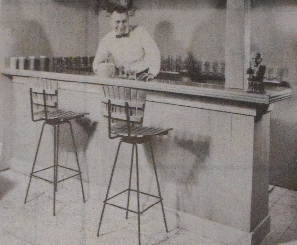 Quick-To-Build Plywood Bar Vintage Woodworking Plan