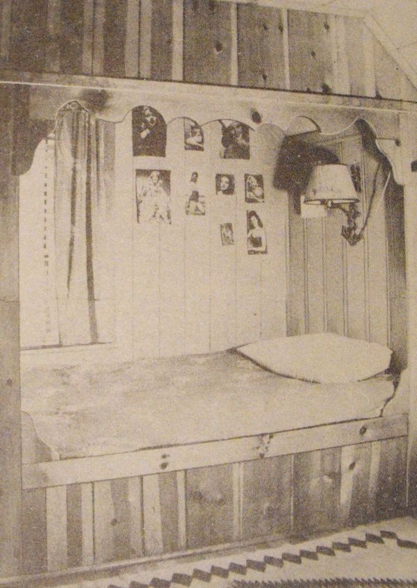 Built-In Bed and Bunks Vintage Woodworking Plan.