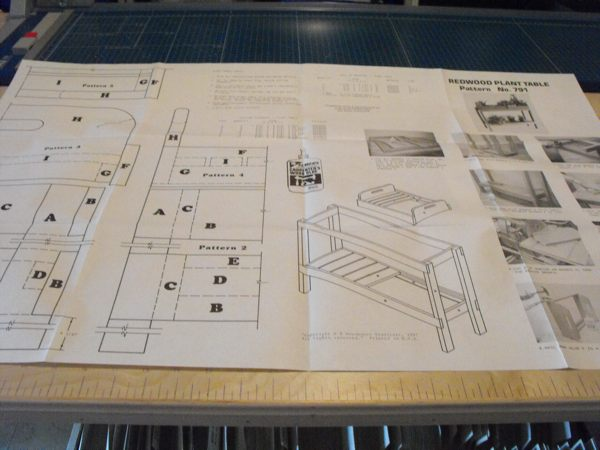Plant Table Vintage Woodworking Plan