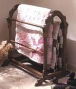 Country Quilt Rack Woodworking Plan.